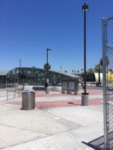 North Hollywood地下鉄への入り口