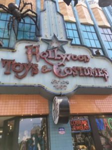 Hollywood Toys & Cosmes